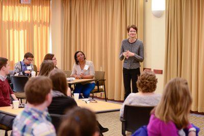 Dorothea Anagnostopoulos Leads a Seminar