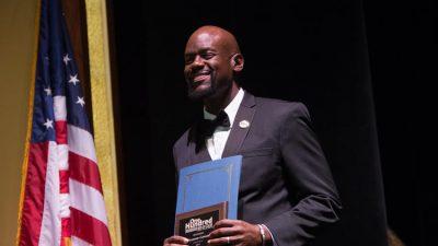 Preston Green accepts award at 2017 One Hundred Men of Color Gala